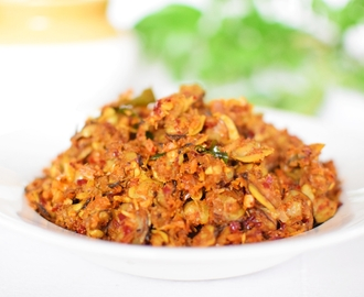 Spicy Kakka Irachi Ularthiyathu (Spicy Stir Fried Clam Meat)