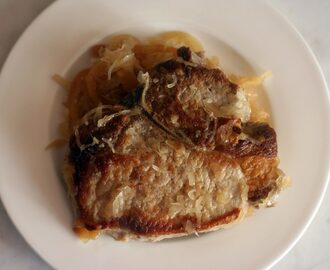 Baked Pork Chops with Apples and Sauerkraut
