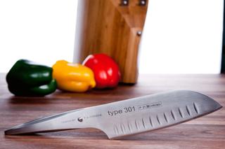 Chroma Type 301 santoku kniv P21 17.8cm