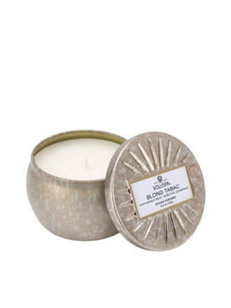 Voluspa Blonde Tabac Decorative Tin Candle Hvit