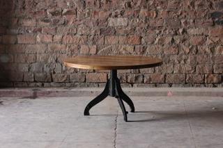 Runt matbord av återvunnet trä (120 cm)