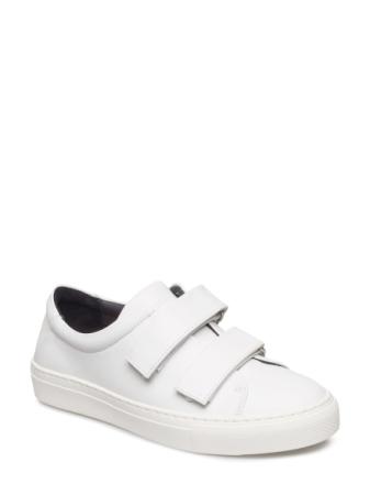Seven20 Strap Shoe