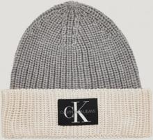 Calvin Klein, MONOGRAM KNITTED BEANIE, Harmaa, Hatut till Unisex, L/XL