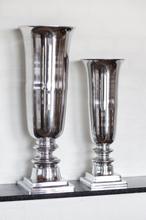 Smukke aluminiums vaser (49cm. og 61 cm.)