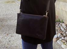 Axelväska dubbel i läder - Mörkbrun
