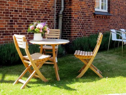 Skagerak Vendia sett 3 stoler og et bord i teak