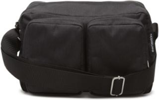 Kortteli Shoulder Bag Bags Small Shoulder Bags/crossbody Bags Svart MARIMEKKO
