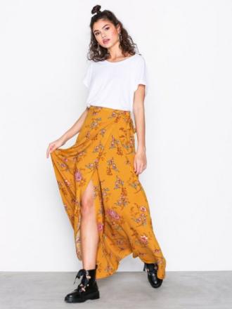 Lange skjørt - Gulmønstrete NLY Trend Wrap Tie Skirt