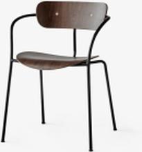 &tradition Pavilion AV2 stol med armlene - Walnut/Black legs