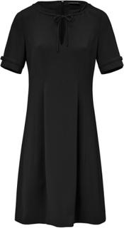 Klänning kort ärm från Strenesse svart