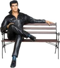 The king sittande på bänk höjd 125 cm