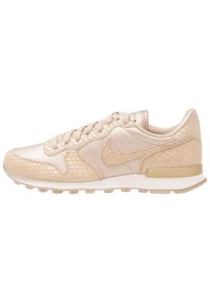 Nike Sportswear INTERNATIONALIST Joggesko blur/light orewood brown/summit white