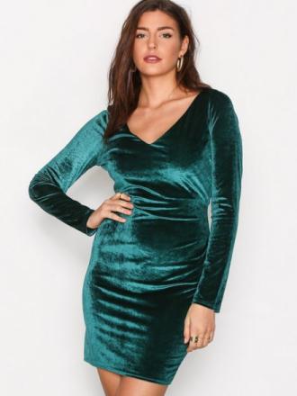 NLY Trend Flirty Velvet Dress Fodralklänningar Mörk Grön