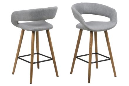 Gramma barstol høyde 87 cm i lys grå med stell i eik.