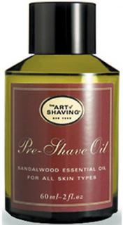 Konsten att rakning - olja innan rakning på sandelträ trä - torr hud