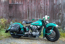 Grön gammal Harley Davidson