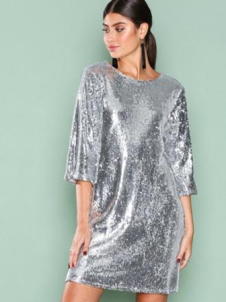 NLY Trend Hang Loose Sequin Dress Paljettklänningar Silver