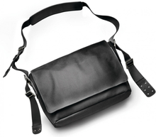 Brooks Barbican Shoulder Bag total black 2020 Axelremsväskor