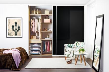 "Skjutdörrar Garderob 110-480 cm fullbredd - ""Svart Glas"" (Diamant)"