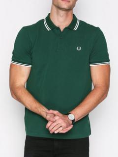 Förenta staterna utsökt stil officiell leverantör Fred Perry kläder på rea — FASHN.se