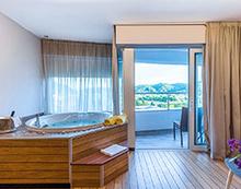 Kroatien-Kurzurlaub im Spa-Premium-Zimmer mit Jacuzzi fuer 2