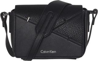 Calvin Klein Luna crossbody taske