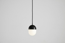 Dot pendant, medium black