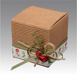 10 bølgepapp Kraft kort gave esker med lokk - 6cm kube | Papp gave ...