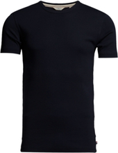 Basic T-Shirts T-shirts Short-sleeved Blå Lindbergh