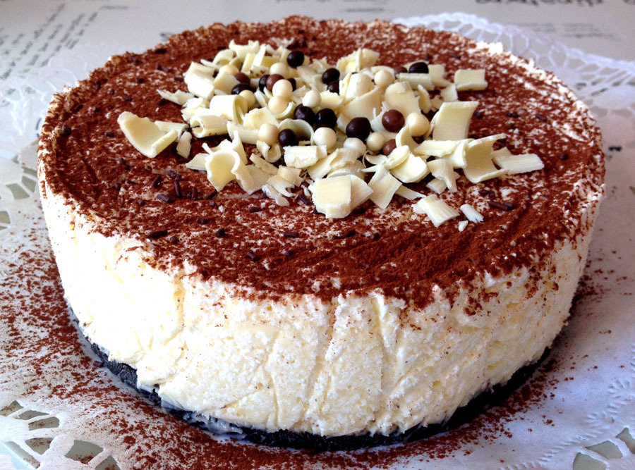 Tarta helada de chocolate blanco con galletas Oreo