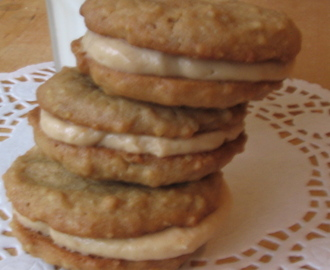 Disclaimer: I Am Not A Professional Photographer...Outstandingly Awesome Peanut Butter & Banana Sandwich Cookies