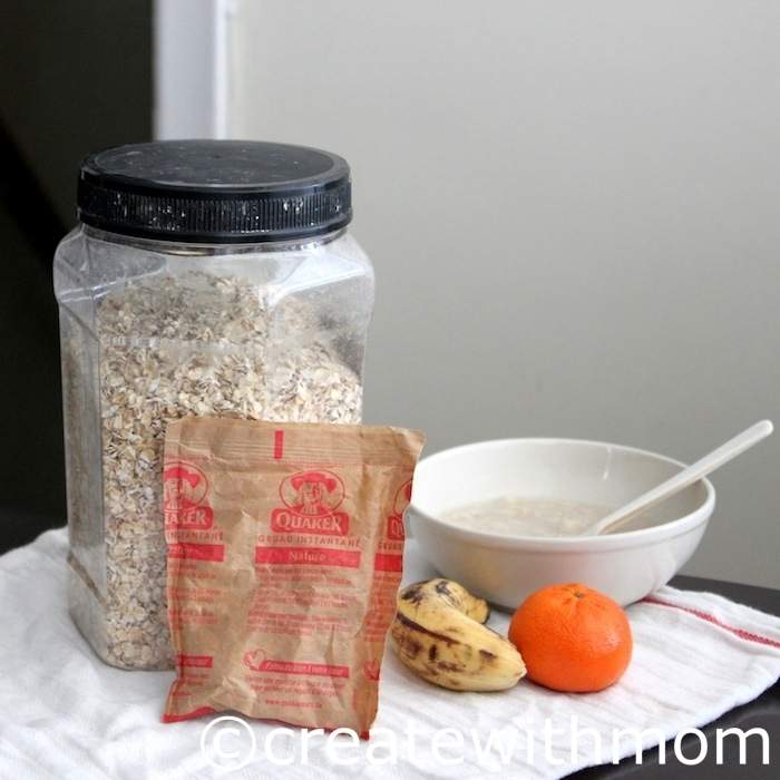 Importance of healthy breakfasts for daily life and sports: Recipe for Fruit and Honey Oatmeal breakfast
