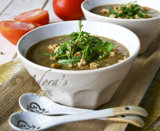 MUNG BEAN, BACON AND ROCKET SOUP