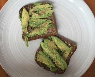 toast con avocado