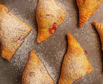 Francuskie ciastka z truskawkami i serem / Strawberry and Cream Cheese Turnovers