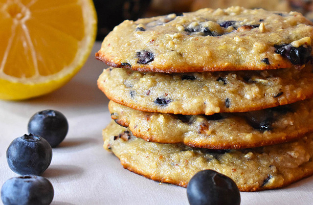 Make These Oatmeal Protein Cookies In 20 Minutes Flat