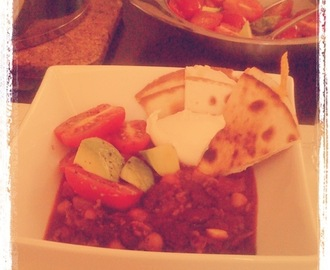 Chili con carne with cheese quesadillas