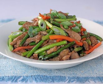 Shredded Pork and Garlic Sprouts Stir Fry
