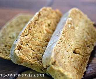 Molasses Oat Bread #Recipe Hodgson Mill's #HAGH