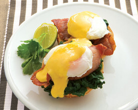 Easy Hollandaise Sauce | Food in a Minute