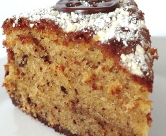 Nußkuchen mit Sahne! / Hazelnut Cake with Cream!