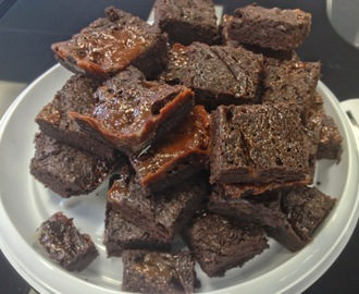 Salted Caramel Brownies - very easy recipe for Chocolate Brownies with a Difference