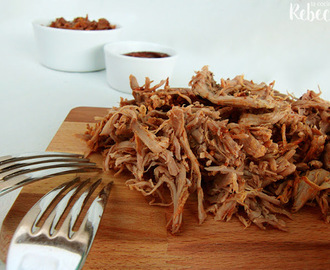 Pulled pork al horno y con ingredientes para la salsa