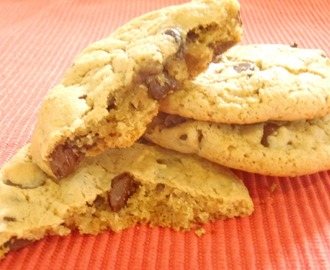 MARYLAND- Chewy Peanut Butter Chocolate Chip Cookies