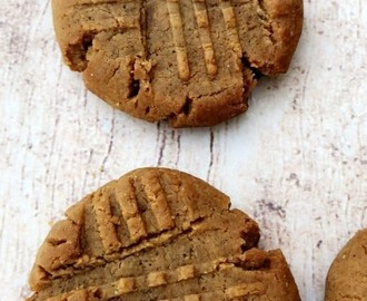 Keto Low-Carb 4 Ingredient Peanut Butter Cookies [VIDEO]