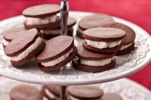 Chocolate Sandwich Cookies with Peppermint Buttercream Filling Recipe