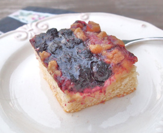 Berry Cream Cheese Crumb Cake