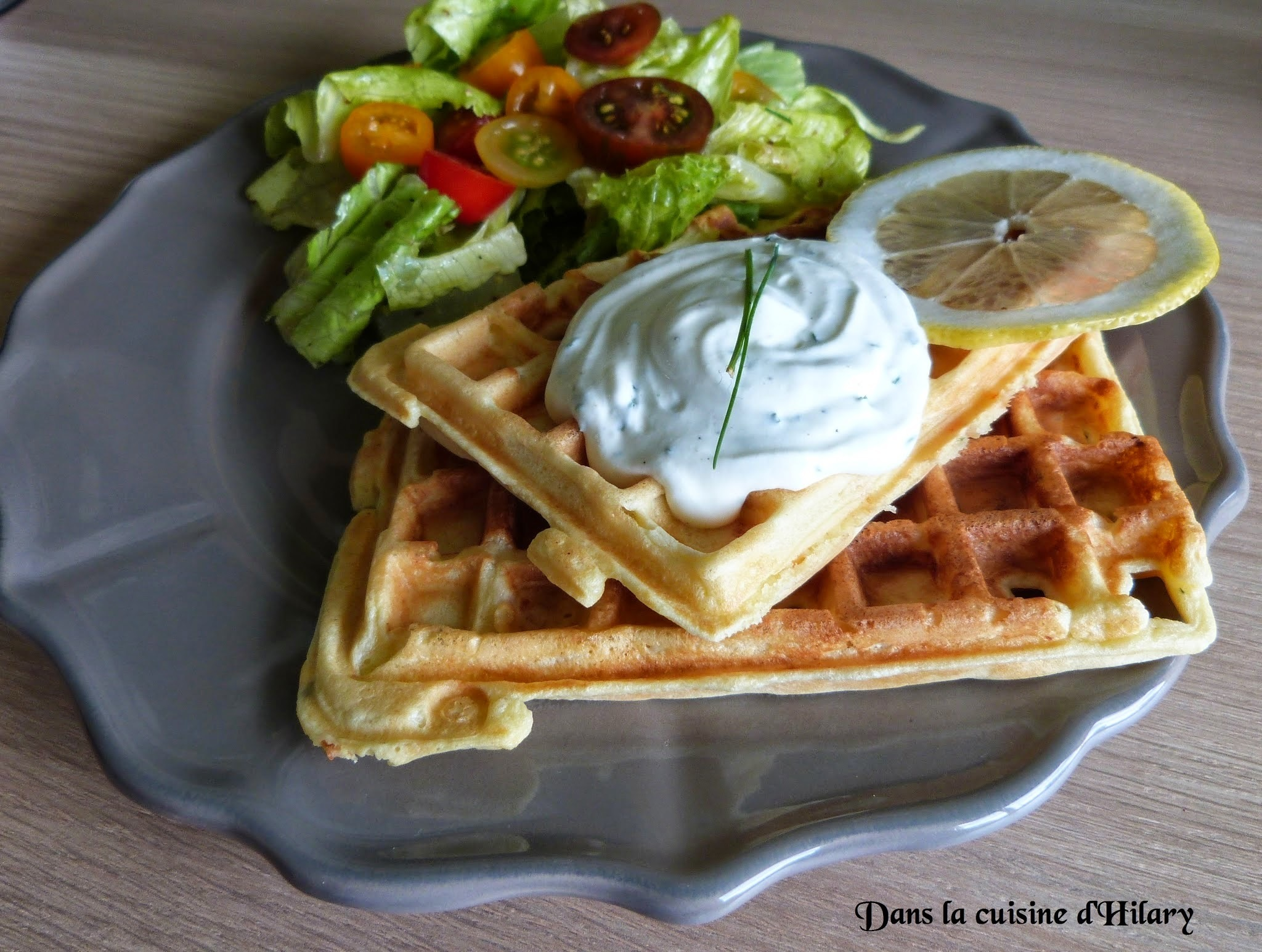 Gaufres au saumon fumé et fromage ail et fines herbes et sa chantilly citronnée / Smolked salmon and garlic and herbs cream cheese waffle and its lemon chantilly