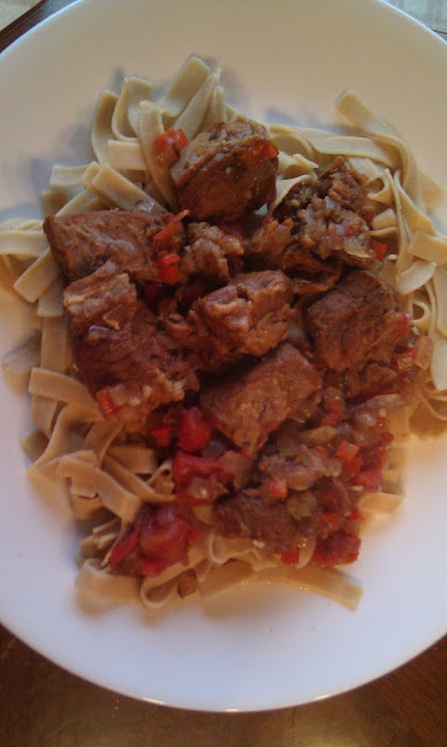 Slow Cooker Hungarian Beef Goulash