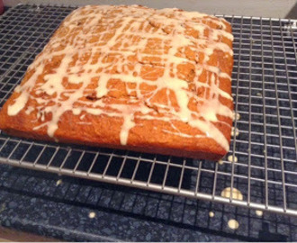 Carrot tray bake